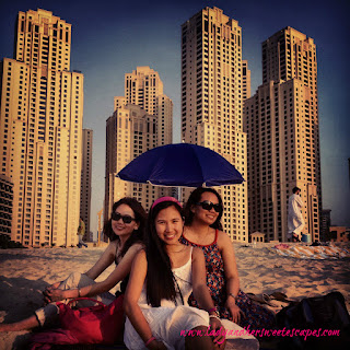 Dubai Marina: three angels