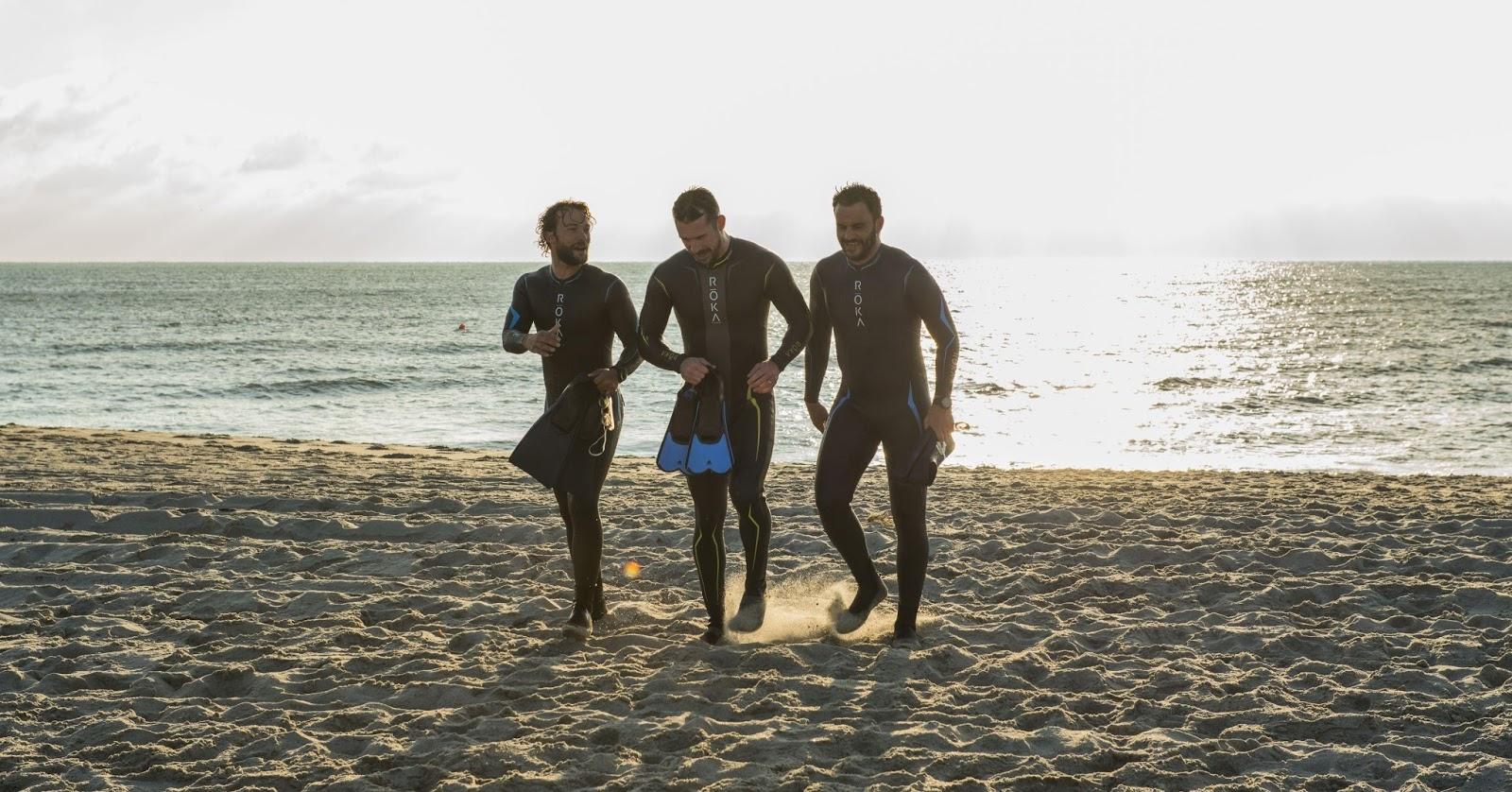 Bear, Caulder y Buddah en una escena en la playa del piloto de Six