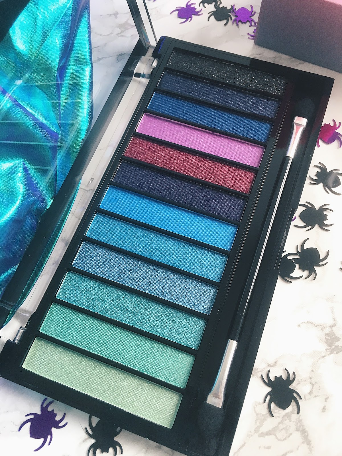 Makeup Revolution Mermaids vs Unicorns Eyeshadow Palette
