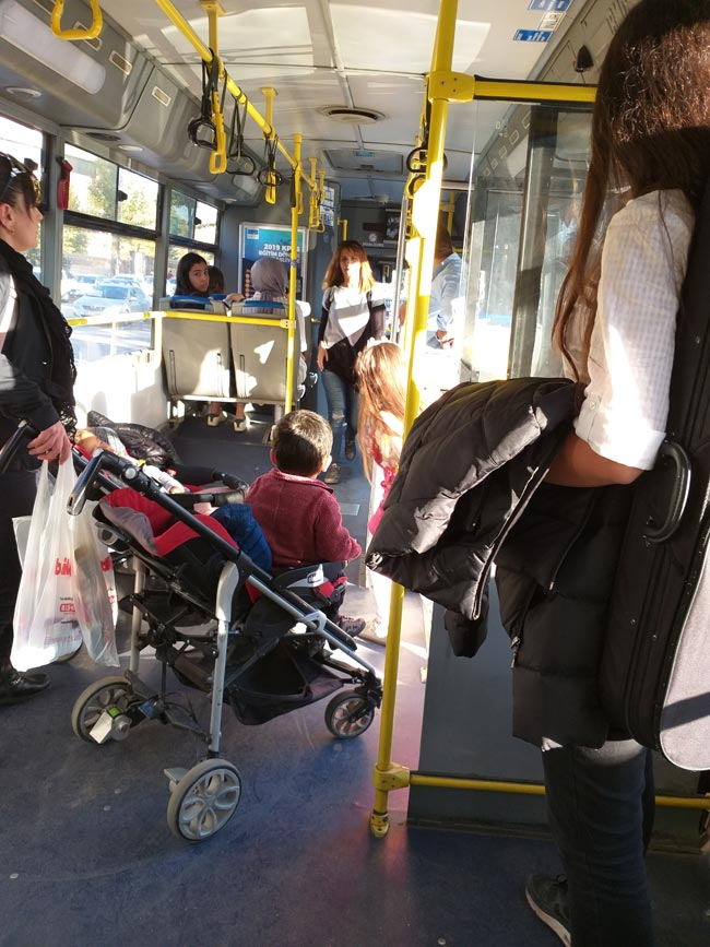 Hasta halimde Halk Otobüsünde tanık olduğum bir çıngar