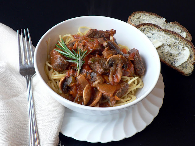Steak and Mushroom Marinara recipe