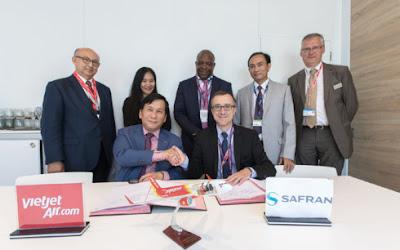 Đại diện Công ty Cổ phần Hàng không Vietjet và Tập đoàn Safran tại buổi lễ ký hợp đồng.