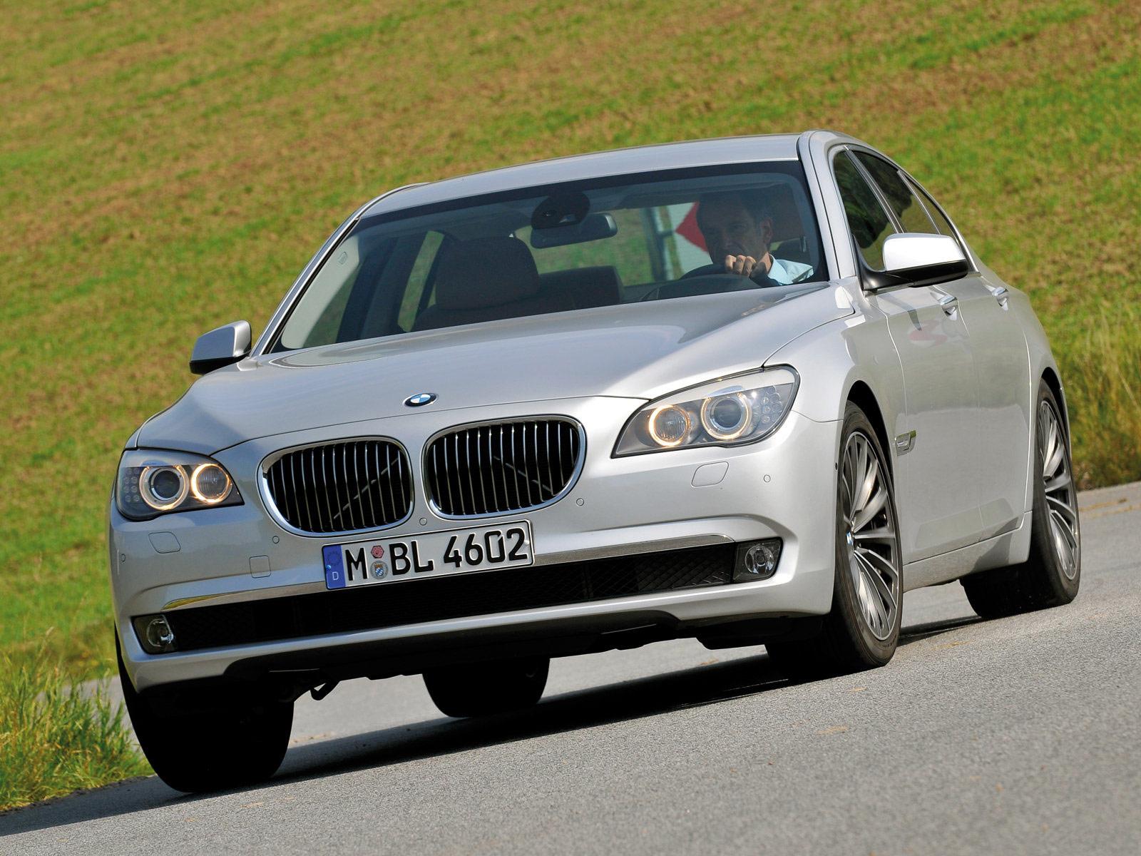 Gambar Mobil BMW  2009 BMW 730d