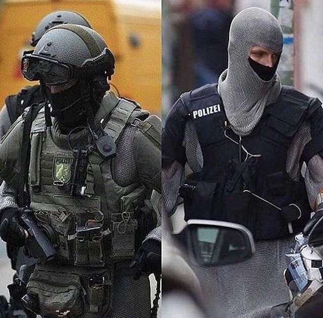 Policiais alemães estão usando armaduras medievais...