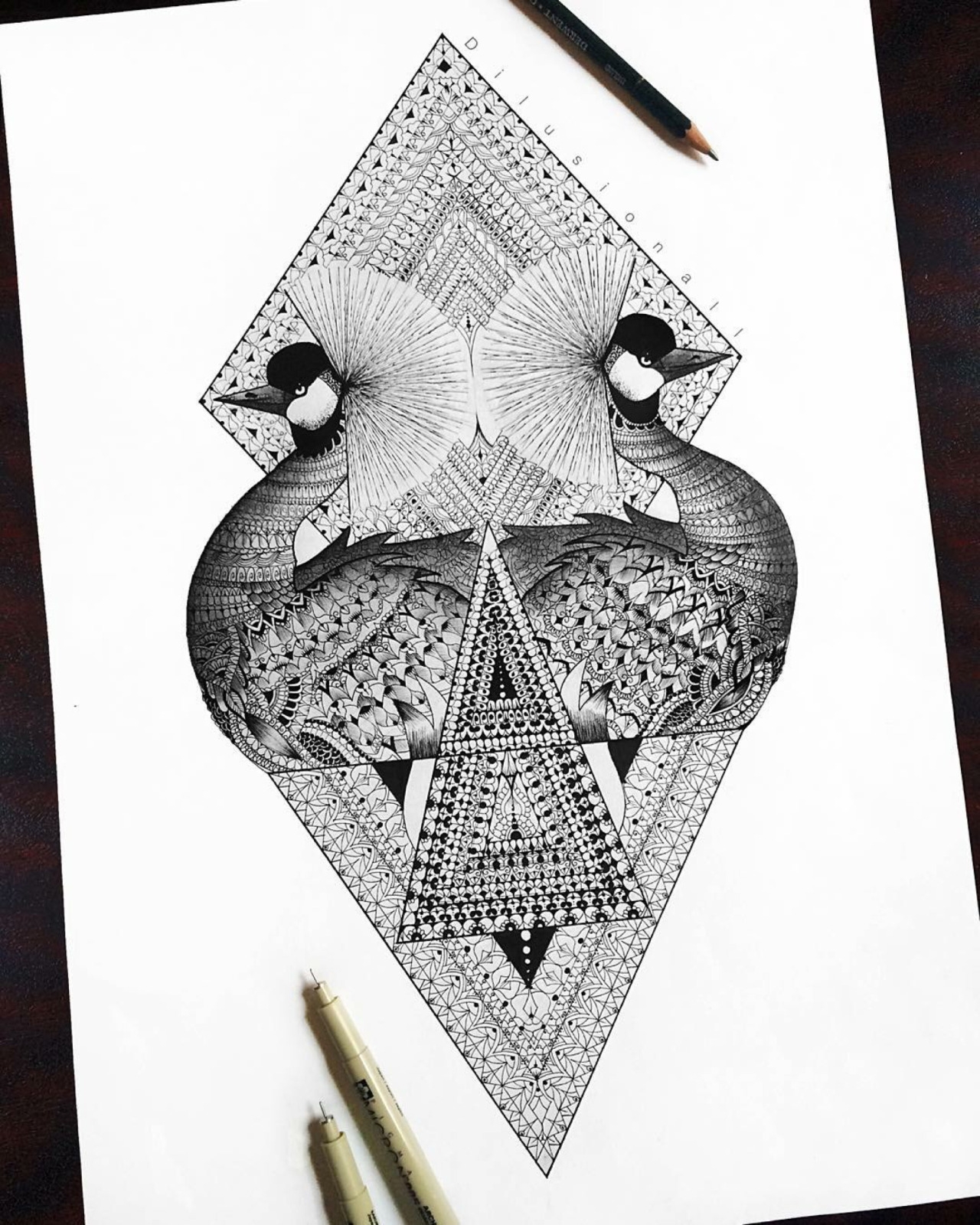 04-East-African-Crowned-Crane-Dilrani-Kauris-Symmetry-and-Style-in-Mandala-and-Mehndi-Drawings-www-designstack-co