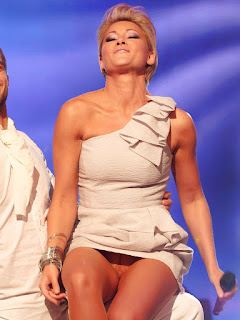 Helene Fischer Pussy exposed without panties