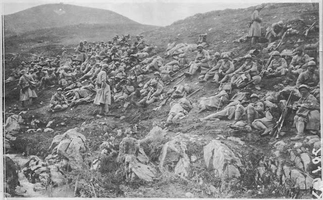 Battle of 19 March 1917 north of Bitola (Monastir).  At 4:30 pm, March 19, 1917: The eighth colonial is lying in a ravine, resting before the attack fixed at 5 pm