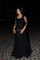 Sakshi Agarwal looks stunning in all black gown at 64th Jio Filmfare Awards South ~  Exclusive 034.JPG