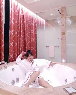steffy castillo bathtub topless pics 03