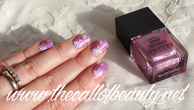 Delicate Flowers Nail Art