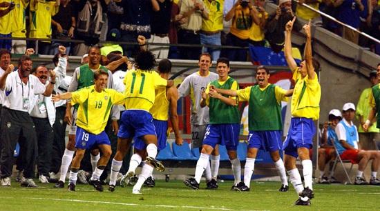 Brazil đăng quang lần thứ 5 tại World Cup 2002.