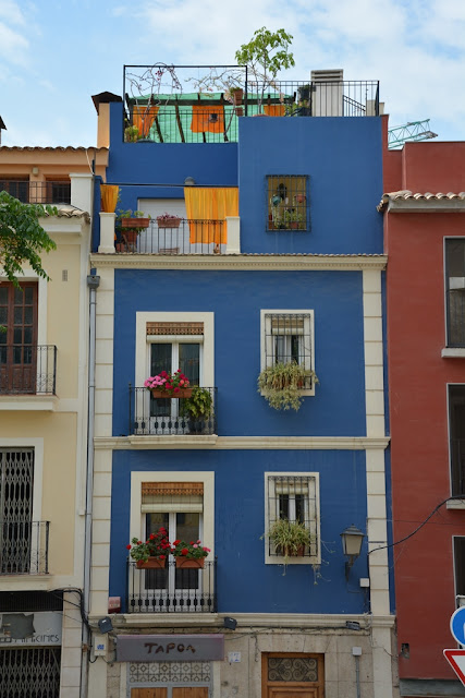 Alicante colorful