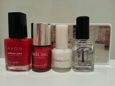 red-christmas-jumper-nail-art