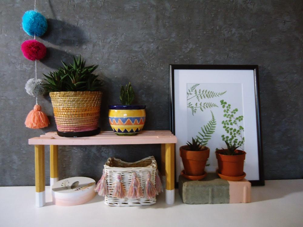 ażurowa półka na kwiaty doniczkowe