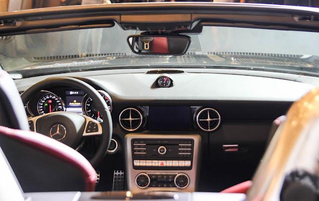 Mercedes AMG SLC 43 trang bị Hệ thống giải trí hiện đại và mới nhất của Mercedes