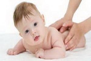 Mengapa Bayi Lambat Tengkurap ?