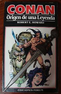 Portada del libro Conan. Origen de una leyenda, de Robert E. Howard, Lin Carter y Sprague de Camp