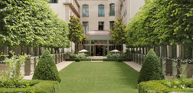 Garden at Ritz Paris