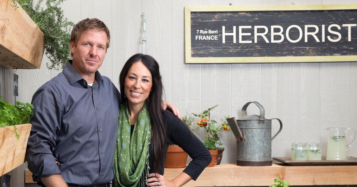 next stop decatur learn more about hgtv 39 s fixer upper 39 s chip and joanna gaines. Black Bedroom Furniture Sets. Home Design Ideas