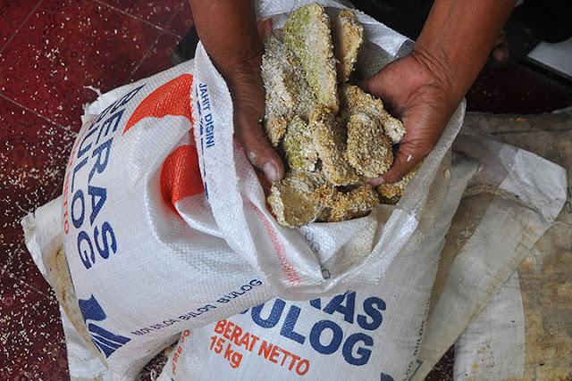 Ditemukan Lebih dari 1.000 Ton Beras Membusuk di Gudang Bulog