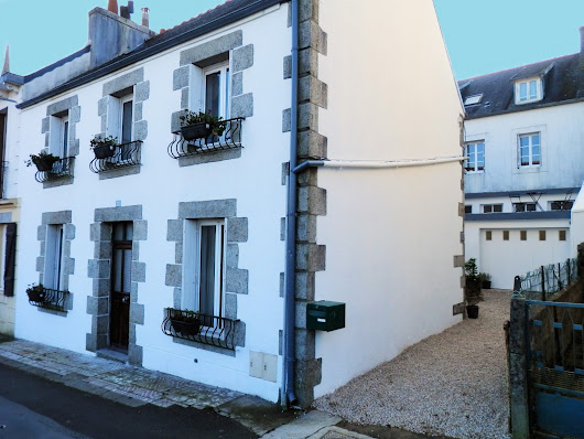 Big Price Reduction 92,000 euros- House in Huelgoat, Brittany, France