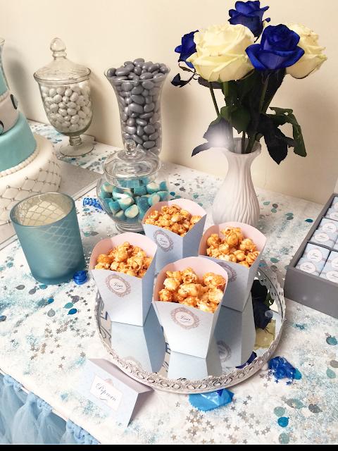 decoration bleu avec friandises pour un beau buffet