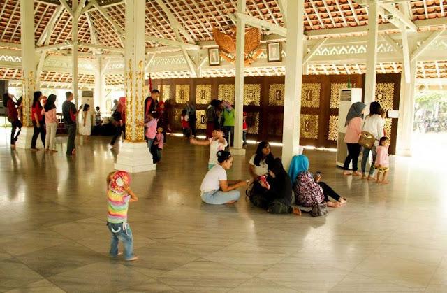 Wisata Menarik Alun Alun Bandung dan sekitarnya
