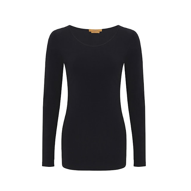What LIzzy Loves wears plain black top from Hope Fashion foundation range