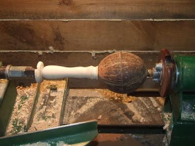 шлифовка ореха в токарном станке