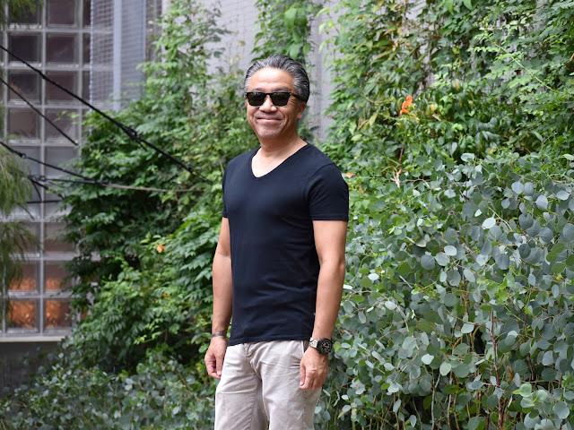 黒Tシャツのコーディネート