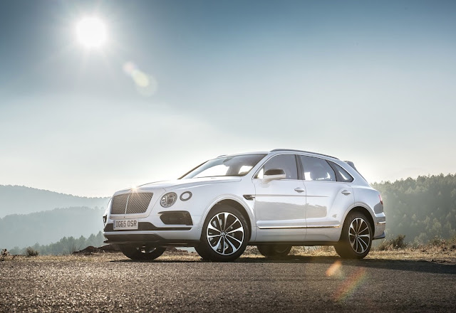 2017 Bentley Bentayga white