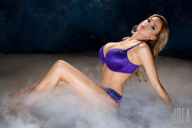 Jordan-Carver-WWL-Photo-Shoot-in-Hot-Blue-Bikini-HD-Picture-2