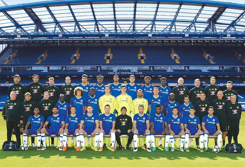 Chelsea FC releases official 2016/17 squad photo