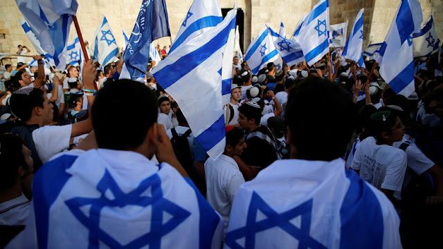 """Revista francesa para niños causa escándalo internacional al calificar a Israel como país """"no real"""""""