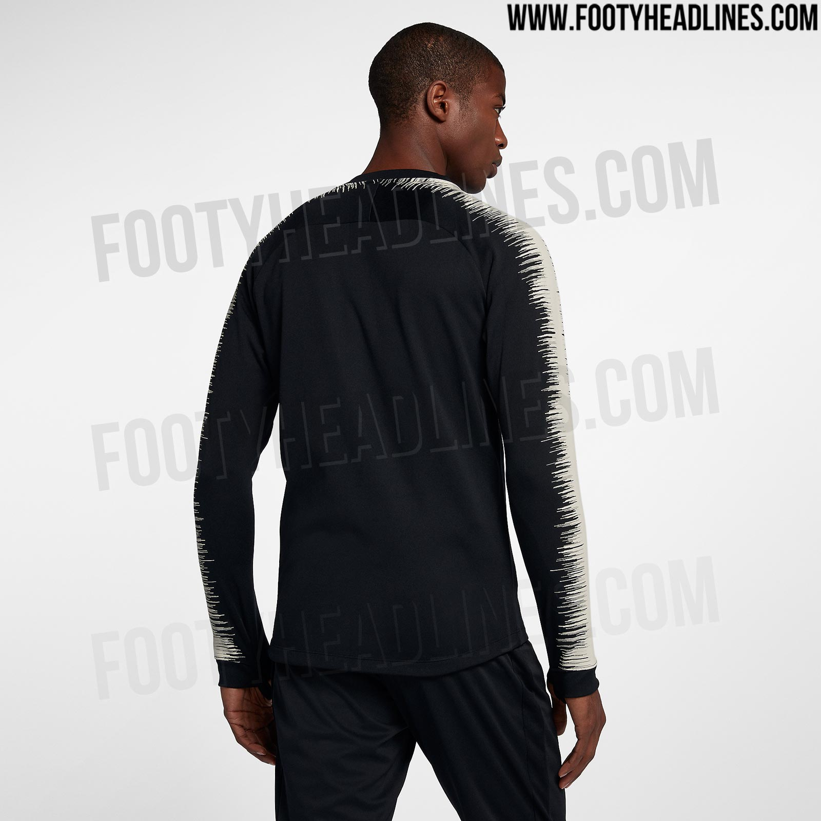 ea2985cee5a Nike Paris Saint-Germain 18-19 Away Kit Jackets Leaked