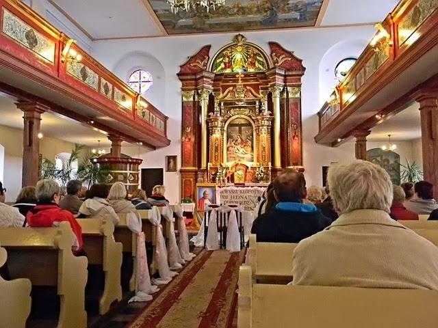 ołtarz, zabytek, wierni, piękne kościoły w Polsce