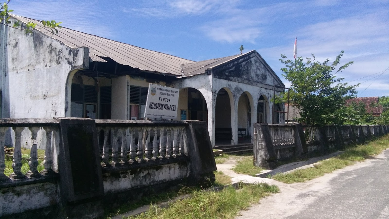 Kantor Kelurahan Numpang di  Gedung Eks PN