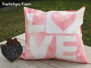 kissen-diy-love-besprüht