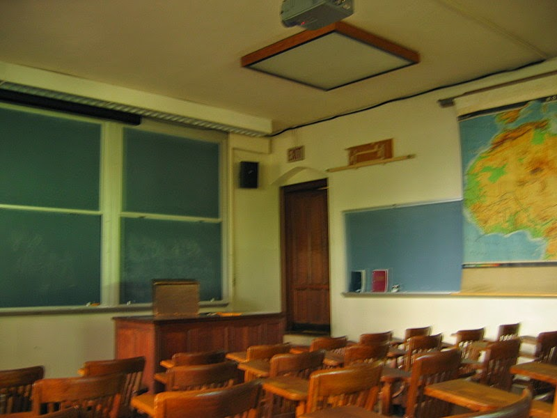 Whether it's back to school time or in the middle of the school semester, changing up your assigned seating arrangement can bring great benefits to classroom learning and creating the classroom climate. Read this post for tips and ideas on making your lesson plans and activities even more effective with a simple change in the seating! #backtoschool #classroomseating #assignedseats #teaching #middleschool #Iteach678