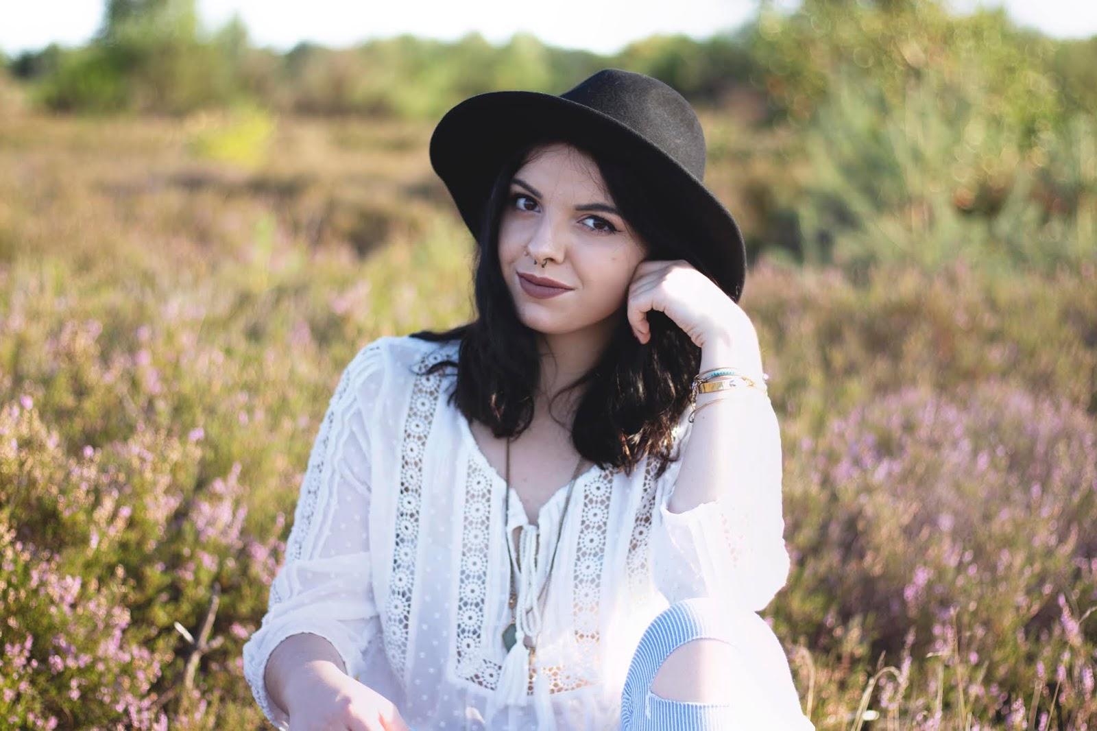 biała koszula mgiełka z koronką