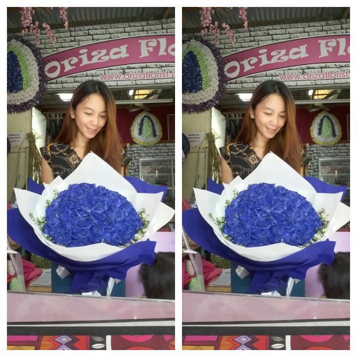 Bunga Valentine Mawar Biru 100 Tangkai Oriza Florist