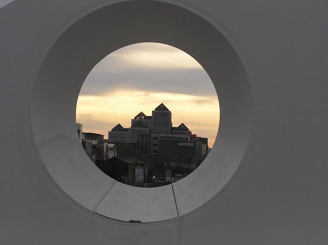Dublin at sunset from Samuel Beckett Bridge (architect: Calatrava) / Author: E.V.Pita / http://evpita.blogspot.com