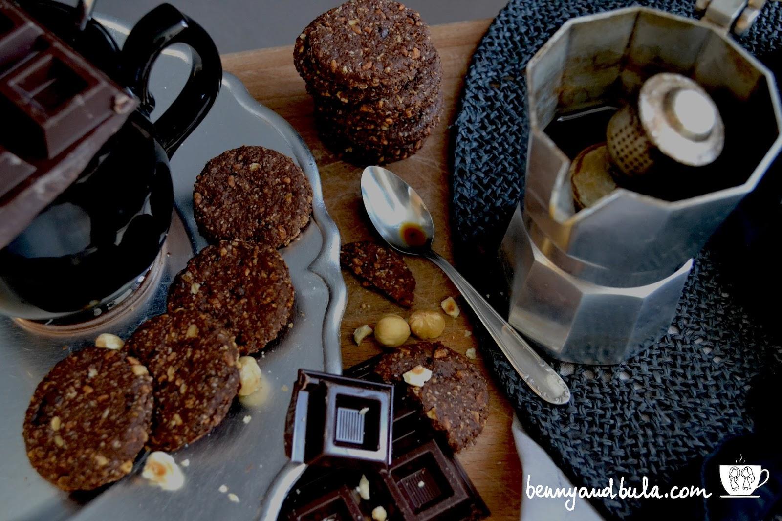 biscotto grancereale cioccolato con avena cacao e nocciole / oat cookies cocoa and hezelnuts