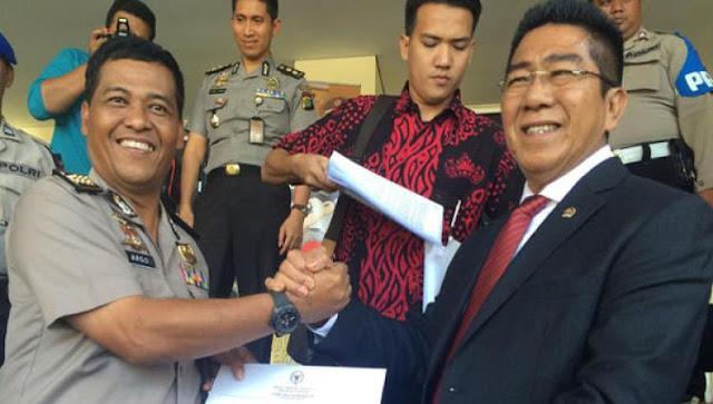 Tak Hanya HTI, PDIP Minta Pemerintah Bubarkan FPI