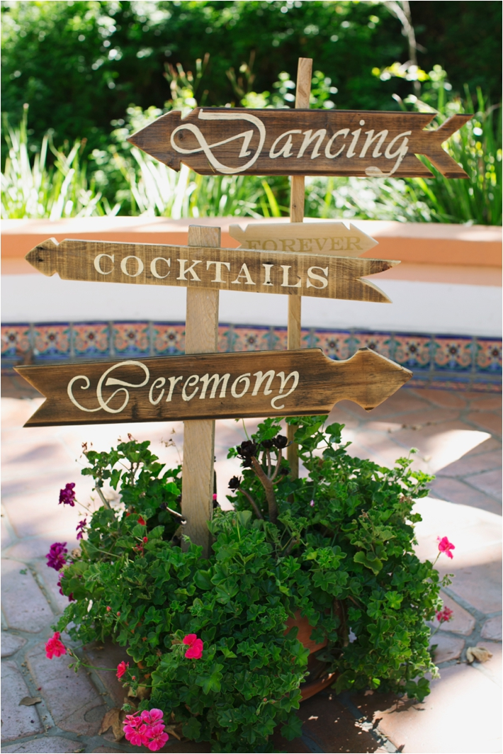 Rancho Las Lomas Wedding Inspiration | Wedding Directional Signs | Damaris Mia Photography