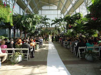 The Jewel Box in Forest Park Ceremony