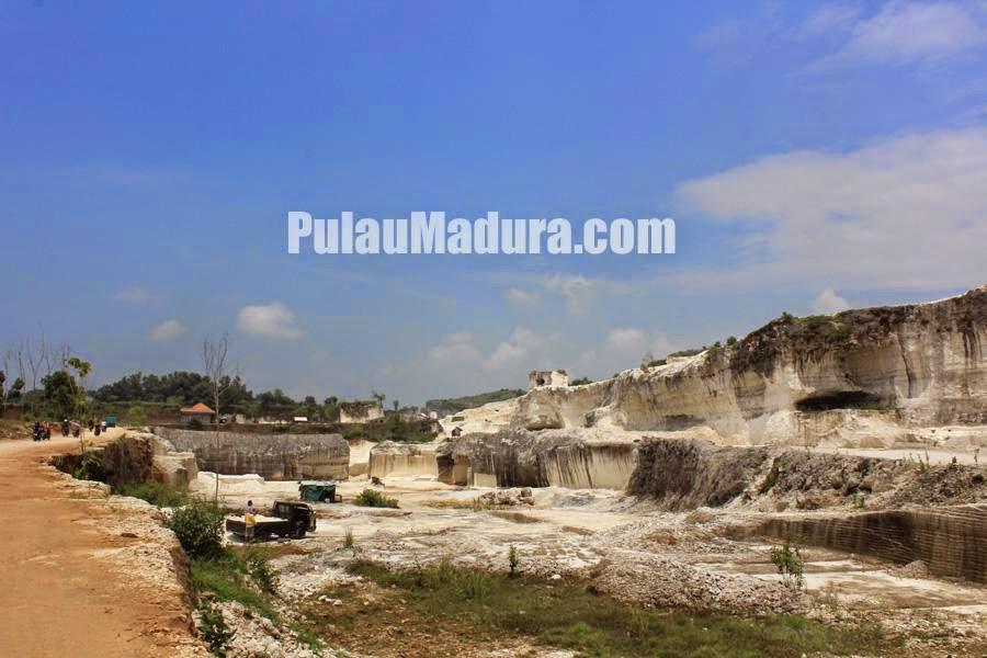 Penambangan Batu Kapur Bukit Geger Desa Jaddih