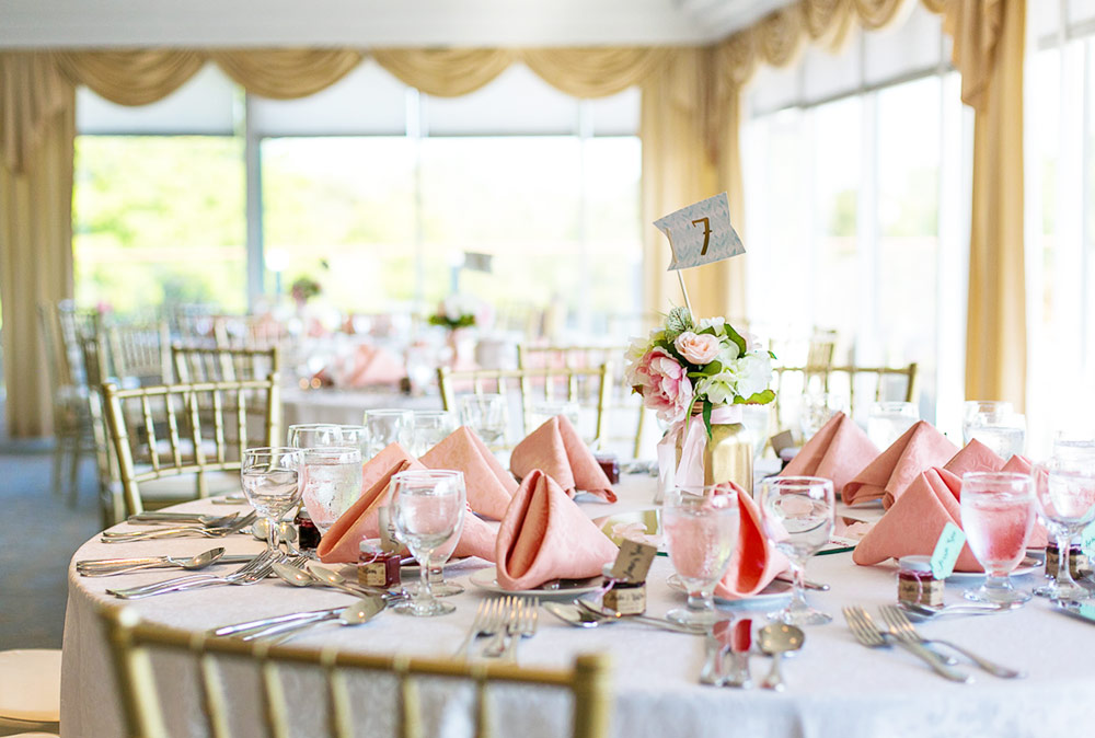 {DIY} How I Made My Own Wedding Centerpieces and Saved Money