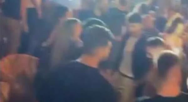 Εικόνες συνωστισμού και στον Άλιμο: «Λουκέτο» και πρόστιμο 20.000 ευρώ σε beach bar
