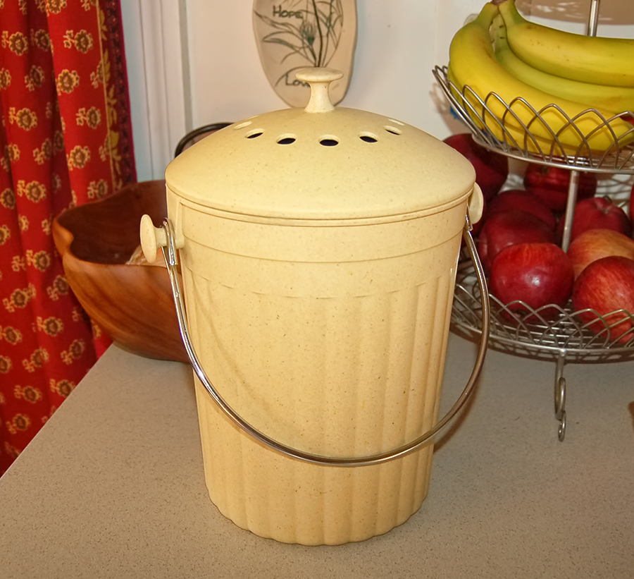 The Queen S Table Spring Into Composting Keter Composter